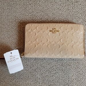 BNWT Coach Debossed Patent Wallet